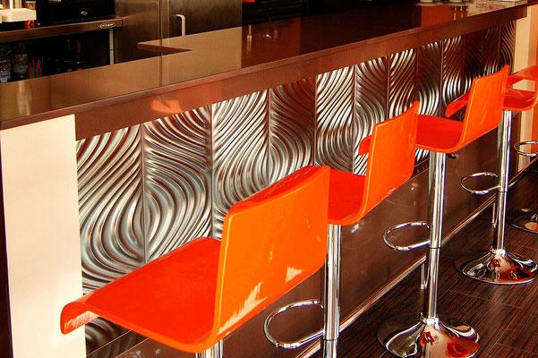 barras de bar  BARRA DE SILESTONE Y CERÁMICA