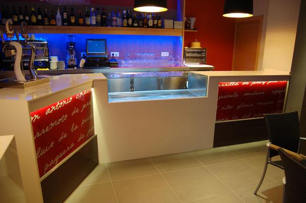 barras de bar  BARRA DE SILESTONE Y VIDRIO