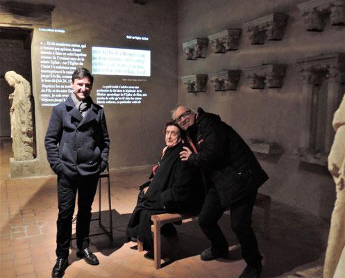 Amancio Requena, chef du service culturel , Annie Cazenave de Foix, médiéviste et spécialiste de la pensée et de la philosophie médiéval, Jean-Louis Gasc, guide-conférencier au château comtal, concepteur de l'exposition