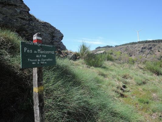 Pas de Montserrat 786m d'altitude, chemin de sel vers hautpoul