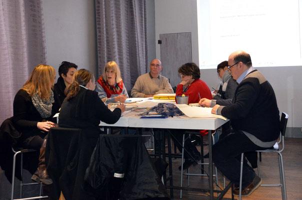 Travail lors de l'AG des guides du Pays Cathare