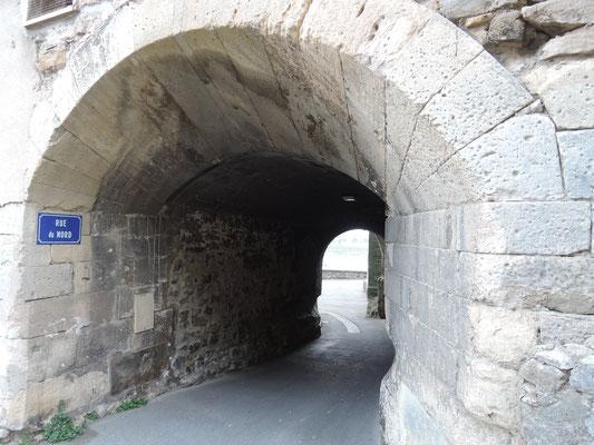 Pont-Saint-Esprit, passage
