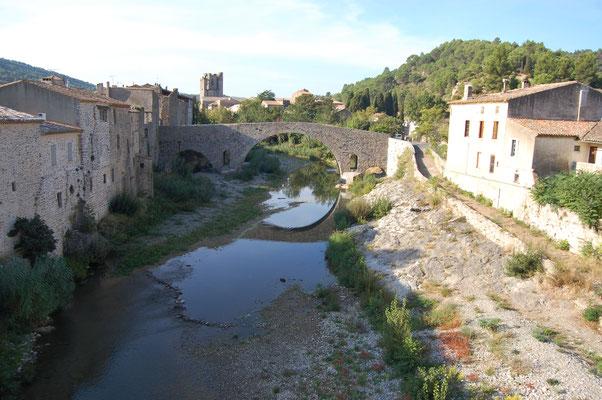 Lagrasse, pont médiéval, abbaye