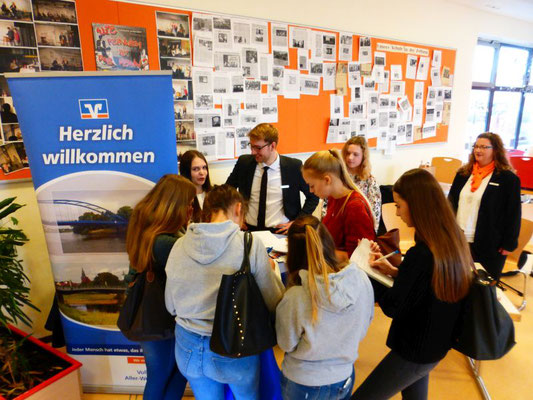 Volksbank Aller-Weser: Eine Ausbildung zur Bankkauffrau bzw. zum Bankkaufmann bietet abwechslungsreiche Aufgaben.