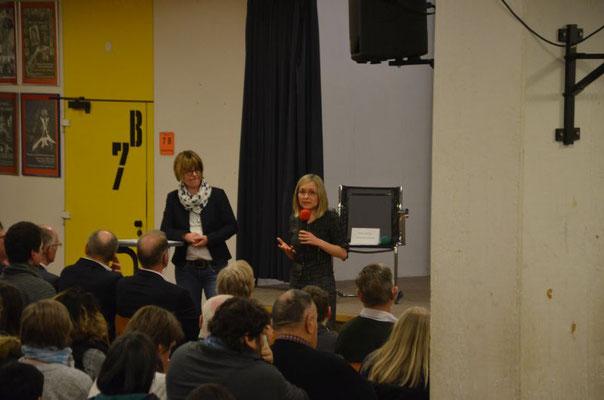 Begrüssung durch die Schuldirektorin Judith Fahlbusch-Schmidt und der Schirmherrin Dr. Dörthe Liebetruth
