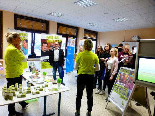Stiftung Waldheim,  Cluvenhagen: Diese soziale Einrichtung sucht Azubis im Bereich Heilerziehungspfleg, Pflegeassistenz undKauffrau/mann für Büromanagement