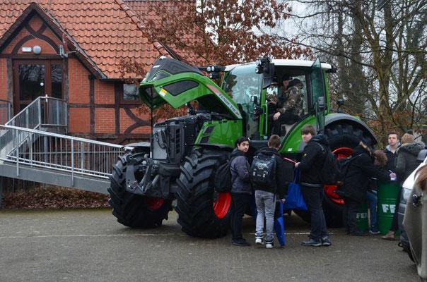 Die Aller Weser Technik bildet aus in dem Beruf Landwirtschaftstechnik