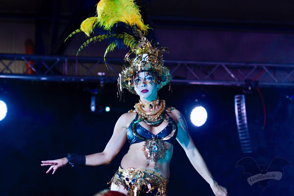 Modenschau auf dem M'era Luna-Festival 2019 / Foto: Batty Blue