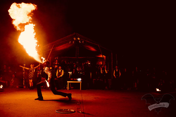Feuershow auf dem M'era Luna-Festival 2019 / Foto: Dunkelklaus