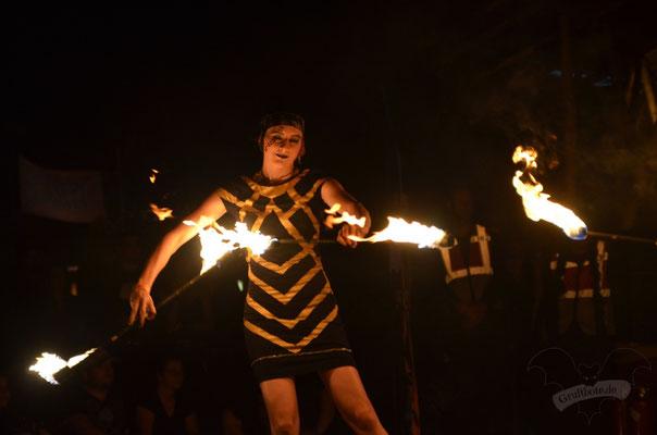 Feuershow auf dem M'era Luna-Festival 2019 / Foto: Batty Blue