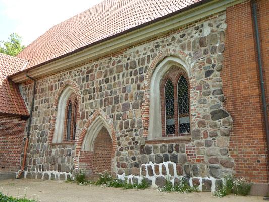 sanierte Westseite der Marienkirche