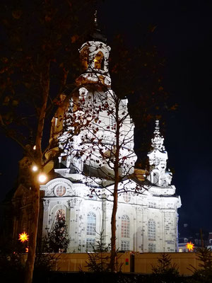 Dresdner Frauenkirche bei Nacht