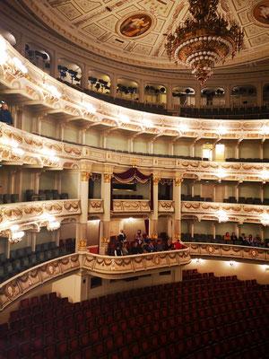 Der Opernsaal