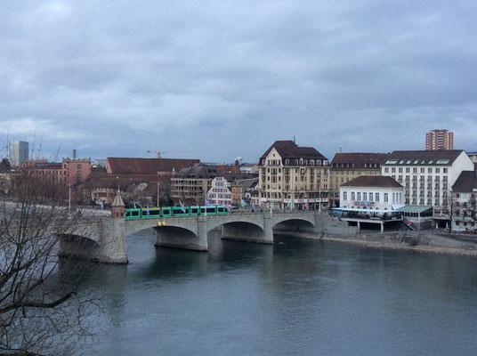 Blick auf Mittlere Rheinbrücke