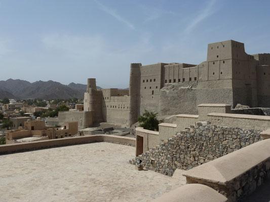 Aussenansicht Burg von Bahla - sie kann nicht besichtigt werden