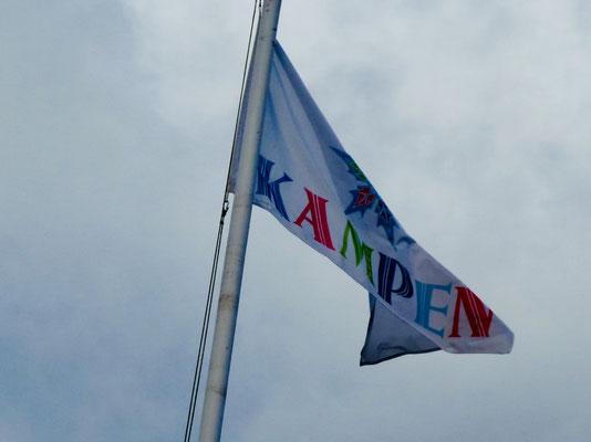 Fahne an einem der Kampener Anwesen