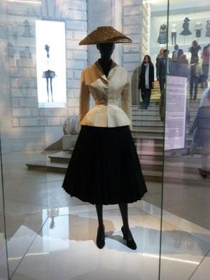 Dior-Ausstellung im Musée des Arts Décoratifs