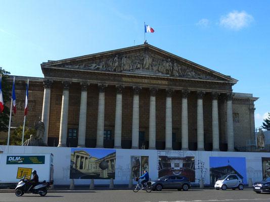 Assemblée Générale im Palais Bourbon, das dem 7. Arrondissement den Namen gibt