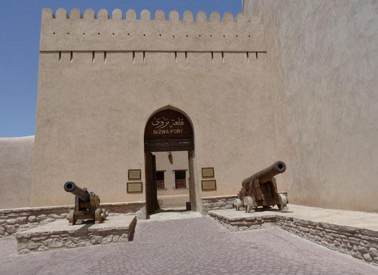 Eingang zum Fort von Nizwa