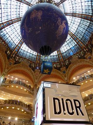 Galeries Lafayette - auch sie feiern Diors 70.!