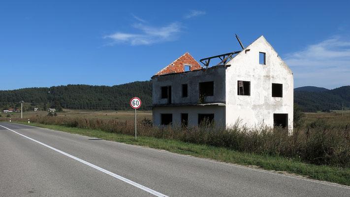 Region Lika: Zerschossenes Haus