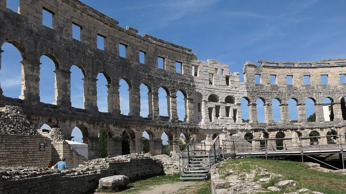 Pula, Amphitheater