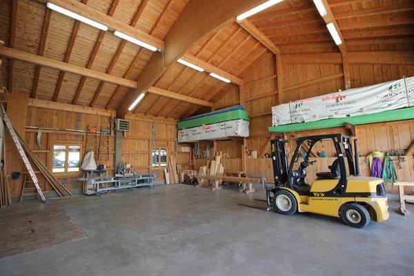 Lagerbereich vor der Werkstatt