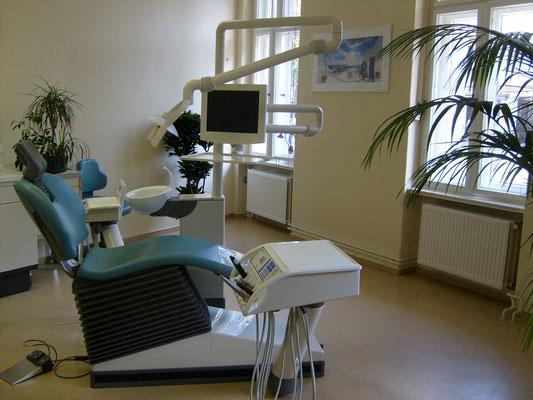 Behandlungszimmer Zahnarzt Lichterfelde