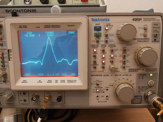 -52dB @ 96 MHz Output cavity LNA 144 MHz