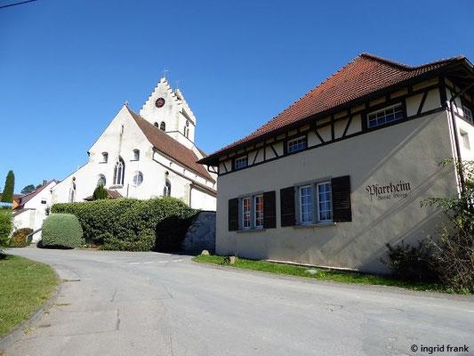 Pfarrkirche St. Georg mit Pfarrhaus