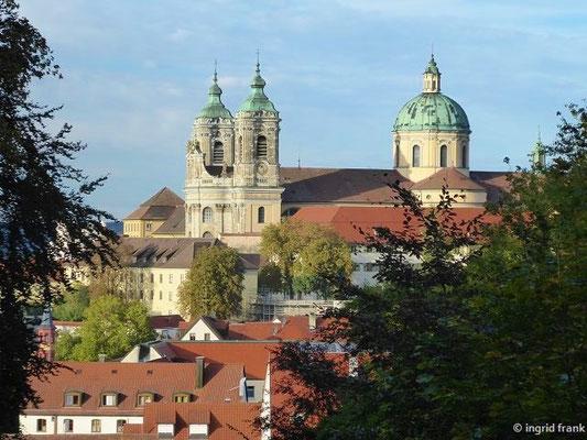 Blick vom Hallersberg zur Basilika