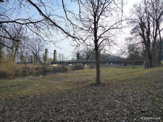 Die Hängebrücke über die Argen bei Langenargen
