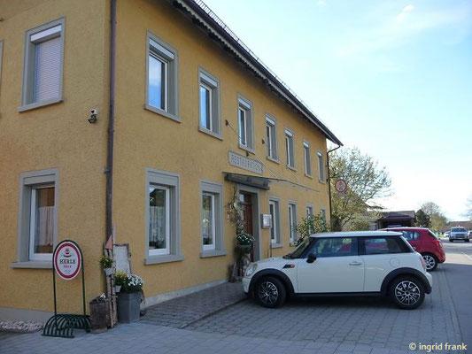 Die Bahnhofs-Restauration in Rossberg