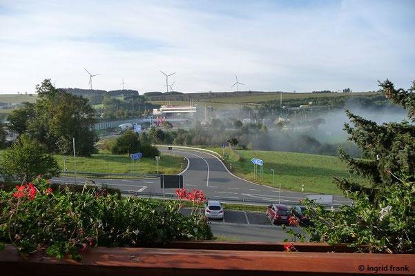 Blick aus dem Hotel: A9 Ausfahrt Rudolphstein