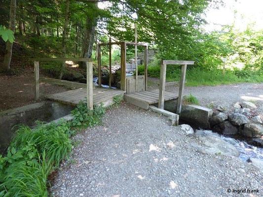 """Die """"Wasser-Kreuzung"""" beim Rösslerweiher"""