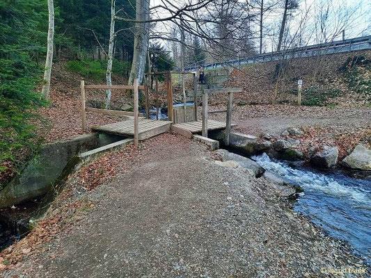 Wasserkreuzung beim Rösslerweiher