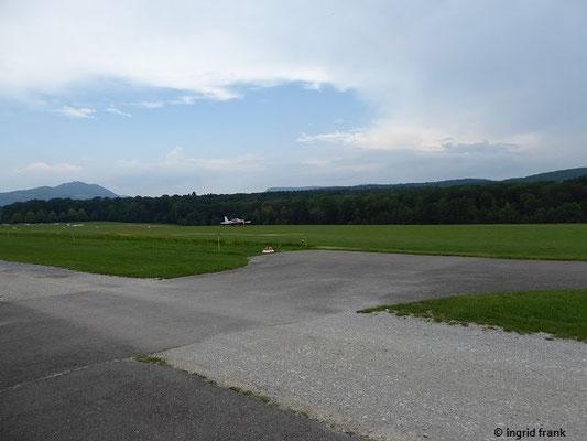 Blick zur Teck über den Flugplatz Hahnweide