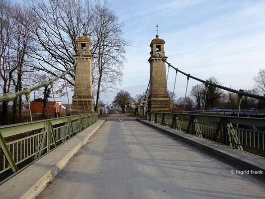 Blick von der Hängebrücke Richtung Osten nach Gohren