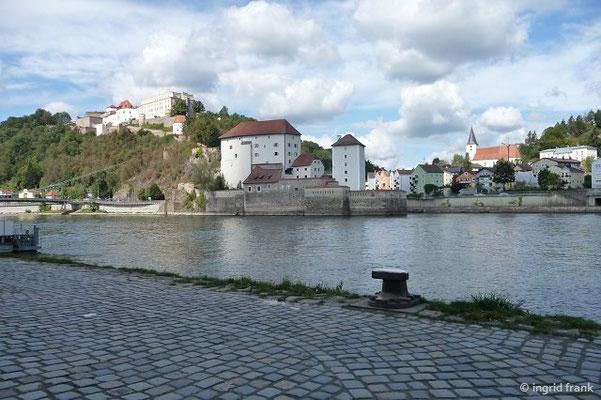Die Mündung der Ilz in die Donau mit Veste Niederhaus und Veste Oberhaus