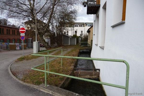 Ravensburg, der Roßbach in der Holbeinstraße