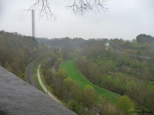Blick ins Neckartal mit Aufzugstestturm