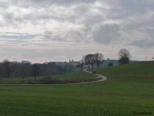 Blick auf Kloster Kellenried