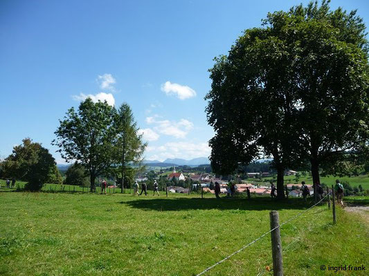 Blick auf Heimenkirch mit Nagelfluhkette