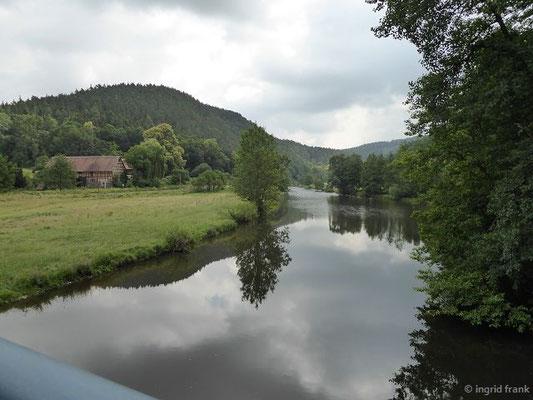 Blick elsteraufwärts bei der Clodra-Mühle