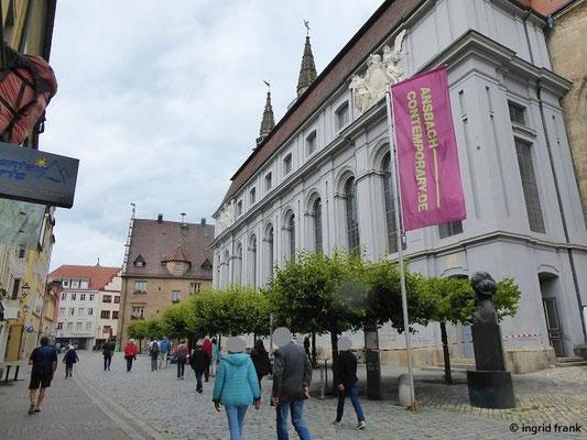 St. Gumbertus, ehemalige Hof- und Stiftskirche der Markgrafen mit Fürstengruft