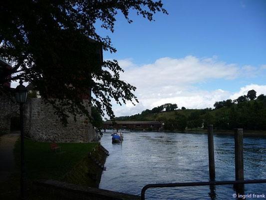 Dießenhofen, Henki-Turm mit gedeckter Holzbrücke