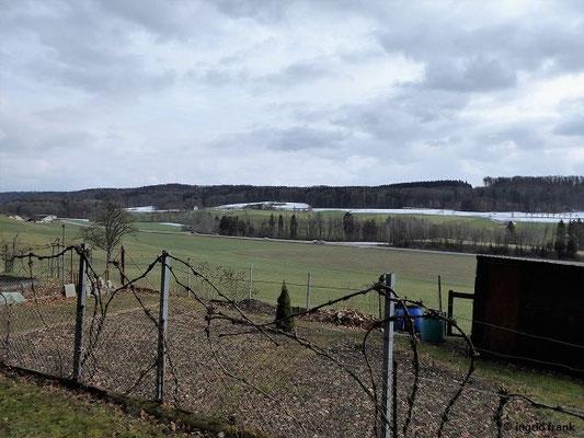 Blick von Norden ins Tal der Wolfegger Ach vor Baienfurt