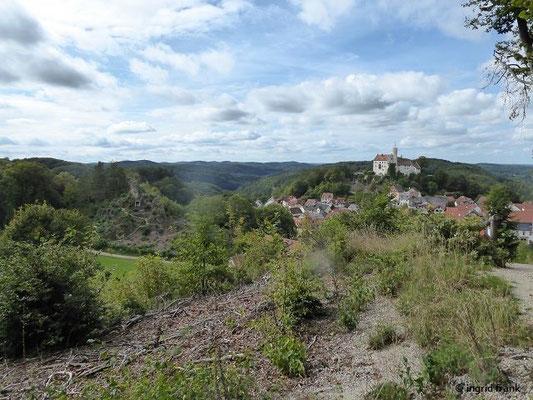 Blick Richtung Gernerfels und Burg Gößweinstein