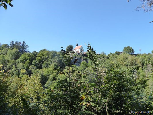 Blick zur Klaussteinkapelle