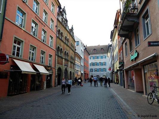 Blick von der Marktstätte zum Rathaus